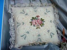 http://weaker-sex.ru Вышитые подушки. Идеи для вдохновения