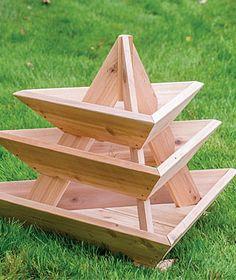 Pflanzenpyramide hob Pflanzer an - Garten gestaltung Plant pyramid raised planters Source by RainMat Raised Planter, Raised Garden Beds, Raised Beds, Outdoor Projects, Garden Projects, Wood Projects, Garden Boxes, Garden Planters, Diy Garden