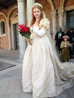 Isolda Dychauk on the set of Borgia season 3