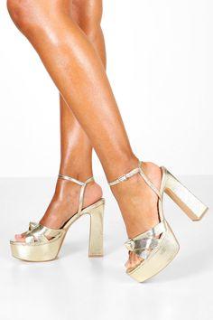 High Sandals, Jelly Sandals, High Heels, Gold Platform Heels, Summer Feet, Latest Shoes, Your Shoes, Shoe Collection, Block Heels