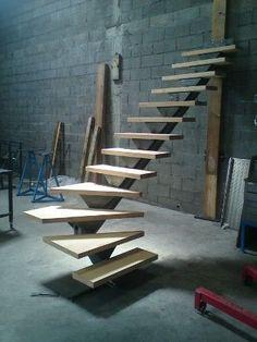 Escalier limon acier et marches en méléze – Decor is art Home Stairs Design, Railing Design, Interior Stairs, House Design, Loft Staircase, Floating Staircase, Stair Railing, Curved Staircase, Railings
