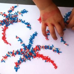 rice fireworks craft Fun Fourth of July Crafts for Kids Summer Crafts, Holiday Crafts, Holiday Fun, Fun Crafts, Holiday Ideas, Simple Crafts, Fireworks Craft, 4th Of July Fireworks, July 4th