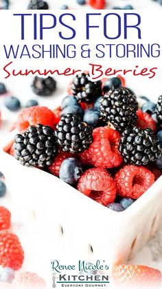 Summer berries are one of my most favorite parts of the summer season. With berries popping up at grocery stores, farmers markets, and roadside stands, it's easy to want to stock up every chance you get. The problem is, most berries don't have a long shelf-life. So, I've got a few berry storage tips to help make your favorite berries last as long as possible. Whether you are jamming on strawberries, raspberries... | @RNsKitchen #easysummerberryrecipes Healthy Gourmet, Gourmet Dinner Recipes, Healthy Breakfast Recipes, Gourmet Chicken, Easy Chicken Pot Pie, Summer Dishes, Summer Desserts, Food 101, Long Shelf