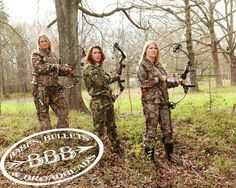 Babes, Bullets and Broadheads. Bow Hunting Women, Hunting Girls, Bow Fishing, Fishing Girls, Hunting Humor, Hunting Gear, Woman Archer, Archery Tips, Tennessee Girls