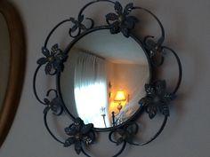 Miroir antique fait en Angleterre. Candle Sconces, Wall Lights, Candles, Mirror, Lighting, Furniture, Home Decor, Antique Mirror Glass, England