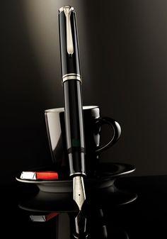 перьевая ручка Pelikan Black and Silver Pelikan Fountain Pen, Fountain Pen Ink, Pelikan Pens, Le Scribe, Graf Von Faber Castell, Luxury Pens, Fine Pens, Pen Collection, Best Pens