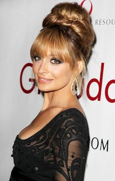 Nicole Richie rocked a retro updo at the 2012 FIFI Awards, piling her long locks into a 60s-style updo an oversized bun to create a beehive effect.