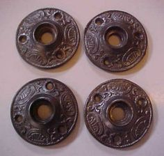 These Rosettes And Others Accent The Cast Iron Knobs On The Upstairs  Bedroom And Bathroom Doors.