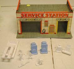 Vintage Tin Toy Litho Service Station Garage Play Set Auto Car Marx