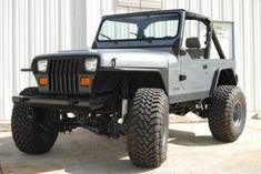 Jeep YJ Wrangler 4x4 4.2l Inline 6 cylinder Grey Black accessories rust free