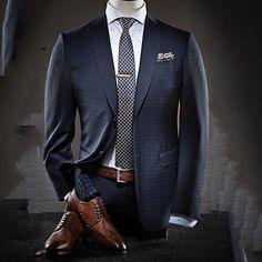 """Your suit is ready Sir."" [ RoyalFashionist.com ] __________________ ""O seu terno esta pronto senhor"" [ RoyalFashionsit.com.br]"