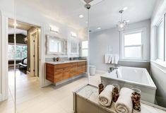 #realestatephotography #interiorphotography #yegrealestate #homedesign #bathroomdecor #bathroom