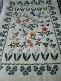 Muodikas Vuorelman, Onnenapila ryijy 113x166cm Rya Rug, Textile Art, Finland, Diy And Crafts, Textiles, Embroidery, Rugs, Party, Design
