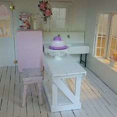 #dollhouse #dollhouseminiatures #greenleafdollhouse #greenleaf #orchid #vintage #shabbychic