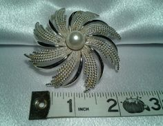 Vintage Sarah Cov Coventry Swirl Burst Silver Faux Pearl Ladies Coat Brooch Pin