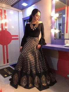 What a lovely black lehenga Lehenga Designs, Kurti Designs Party Wear, Saree Blouse Designs, Golden Blouse Designs, Designer Party Wear Dresses, Indian Designer Outfits, Ladies Gown Party Wear, Indian Gowns Dresses, Pakistani Dresses