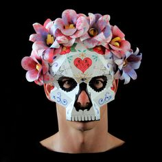 Day Of The Dead Mask, Day Of The Dead Skull, Cool Masks, Awesome Masks, Sugar Scull, Diy And Crafts, Paper Crafts, Dead Makeup, Mask Tattoo