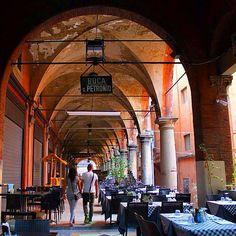 Bologna, Via dei Musei, foto di Alice Stella ( @Alistar), dal concorso I PORTICI DI BOLOGNA