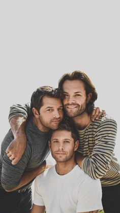The boys released a new photoshoot they did heres the best pic from it Supernatural Destiel, Supernatural Series, Supernatural Pictures, Castiel, Jensen Ackles, Jensen And Misha, Misha Collins, Winchester Boys, Winchester Brothers