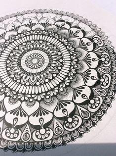 1087 best mandala art images in 2019 Mandalas Painting, Mandalas Drawing, Zentangle Drawings, Zentangle Patterns, Art Drawings, Drawing Designs, Zentangles, Design Floral, Art Design