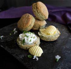 τηγανιά με χοιρινό - η συνταγή του ένδοξου μεζέ | Pandespani Scones, Baked Potato, Tea Party, Pork, Potatoes, Baking, Breakfast, Ethnic Recipes, Sweet