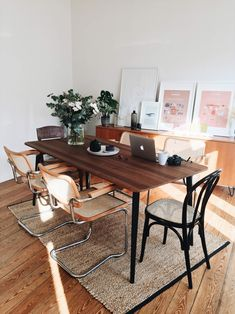 Inneneinrichtung, Mid-Century, Altbau, Vintage, Second Hand, Esszimmer Second Hand Furniture, Office Desk, Dining Table, Home Decor, Vintage, Dining Room Inspiration, Design Interiors, Home, Table