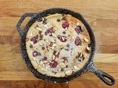 Get Sunny's Nunya Business Fruity Clafoutis Recipe from Food Network Five ingredients! Includes pancake mix and Greek yogurt. Oven or grill. Fruit Recipes, Sweet Recipes, Dessert Recipes, Recipies, French Recipes, Pie Recipes, Dessert Ideas, Just Desserts, Delicious Desserts