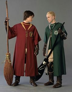Image discovered by alline. Find images and videos about harry potter, hogwarts and draco malfoy on We Heart It - the app to get lost in what you love. Classe Harry Potter, Mundo Harry Potter, Theme Harry Potter, Harry Potter Quotes, Harry Potter Universal, Harry Potter Characters, Harry Potter World, Ron Et Hermione, Harry Potter Draco Malfoy
