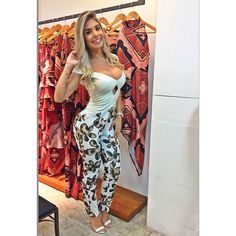 Instagram media by fernandaa_pedrosa - Chegando aqui no evento  da @leneleeshowroom com presença da @vichybrasil cosméticos!  Look @leneleeshowroom   #Job #PresençaVip #ShowRoom #VichyBrasil #Moda #Glamuor #FitGirl #BrazilianModel #Blessed #DeusNoComando #TáResolvidoSim✔️