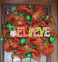 I WANT THIS!!! SOMEONE MAKE IT FOR ME PLEASE!! Christmas Mesh Wreath Red and Green