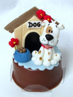 Dog & doghouse