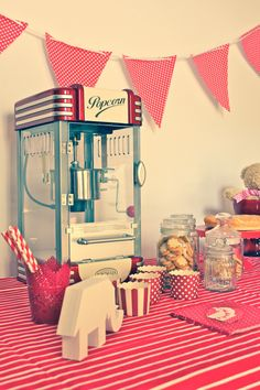 Mesa dulce #candybar en alquiler #cosasdemaruja #fiesta www.cosasdemaruja.es