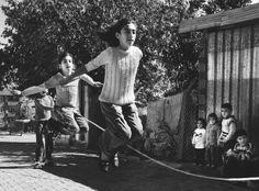 Her mahallenin ip atlayan kızları vardır:) Games For Fun, Once Upon A Time, Kids Playing, Istanbul, Childhood, Twitter, Concert, Children, Movie Posters