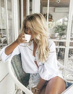Looks Style, Style Me, Estilo Glamour, Costume Noir, Coffee Girl, Coffee Coffee, Mode Inspiration, Fashion Outfits, Womens Fashion
