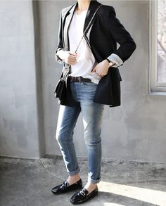 .The boyfriend jacket with a t-shirt and a pair of jeans. classic look...