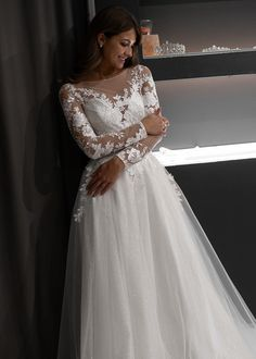 Long sleeve wedding dress IVANEL by Olivia Bottega. Open back. Pina Tornai Wedding Dresses, Flowery Wedding Dress, Turkish Wedding Dress, Open Back Wedding Dress, Stunning Wedding Dresses, Applique Wedding Dress, Long Sleeve Wedding, Floral Lace Dress, Perfect Wedding Dress