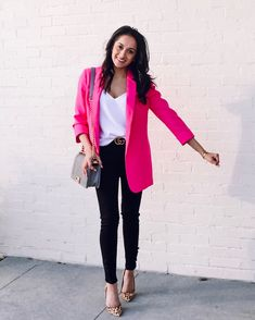 We are loving our classic blazer! Wear this gorgeous style at work and dress it up! Or wear this style over sweats and heels and dress up your look! There is no wrong way to wear this blazer! Rosa Blazer Outfits, Blazer Outfits For Women, Blazers For Women, Casual Outfits, Cute Outfits, Pink Cardigan Outfits, Pink Top Outfit, Blazer Fashion, Fashion Outfits