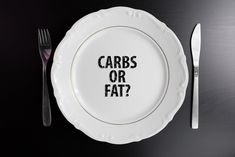Dieters must often pick a side in the low-carb vs. low-fat diet question, but how can they know which is best for them? A new study weighs in. Low Fat Diets, No Carb Diets, Diet Food List, Diet Breakfast, Easy Healthy Dinners, Diet Plans To Lose Weight, Diet Motivation, Pinterest Recipes, Diet Pills