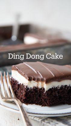 No Bake Desserts, Easy Desserts, No Bake Chocolate Desserts, Chocolate Eclair Cake, Best Chocolate Desserts, Homemade Desserts, Melting Chocolate, Food Cakes, Cupcake Cakes