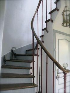 Entrée, montée d'escalier & palier