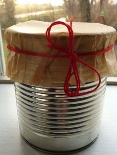 Superleuk idee een cake gebakken in het blik en superleuk om als kadootje te geven als je bv. bij iemand op de thee/koffie gaat!