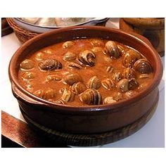 Caracoles a la Catalana Spanish Kitchen, Spanish Cuisine, Spanish Food, Snails Recipe, Little Kitchen, Canapes, Tapas, Fish Recipes, Good Food