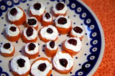 Pin for Later: Spooky Healthy Halloween Appetizers to Scare Away Hunger Beady Edible Eyes