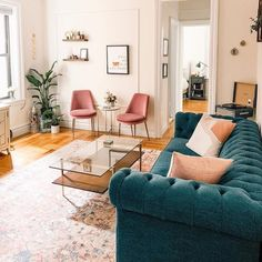 Teal Living Rooms, Living Room Modern, Living Room Sofa, Home Living Room, Apartment Living, Living Room Designs, Living Room Decor, Colorful Living Rooms, Apartment Couch