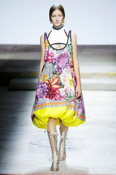 Mary Katrantzou Spring 2018 Ready-to-Wear  Fashion Show - Felice Noordhoff