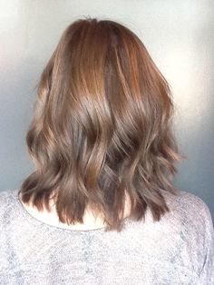 beachy brunette hair bob