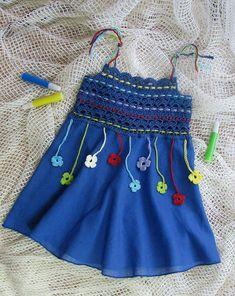 ideas crochet baby sweater girl children for 2019 Baby Tulle Dress, Knit Baby Dress, Crochet Baby Clothes, Little Girl Dresses, Nice Dresses, Crochet Yoke, Crochet Girls, Crochet For Kids, Crochet Children