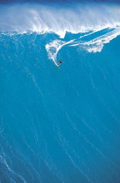 Big wave surf. Awesome!!!
