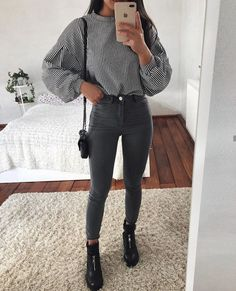 Fashion 2017 Everyday Ideas For 2019 Tumblr Outfits, Mode Outfits, Trendy Outfits, Winter Outfits, Teen Fashion, Fashion Outfits, Womens Fashion, Fashion 2017, Skirt Fashion