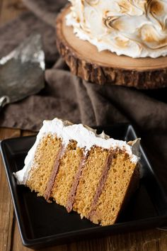 This S'mores Cake is better than the real thing! A graham cracker cake filled with a whipped milk chocolate ganache and topped with toasted marshmallow fluff. Frosting Recipes, Cupcake Recipes, Cupcake Cakes, Dessert Recipes, Cupcakes, Dessert Ideas, Pear And Almond Cake, Almond Cakes, Cheesecakes